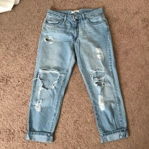 FOREVER 21 HIGH WAISTED BOYFRIEND RIPPED JEANS